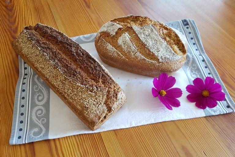 2 Brote nebeneinander